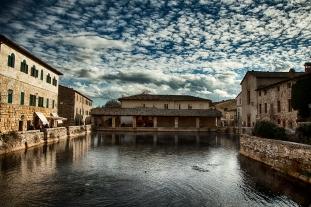 Bagno Vignoni- piazza